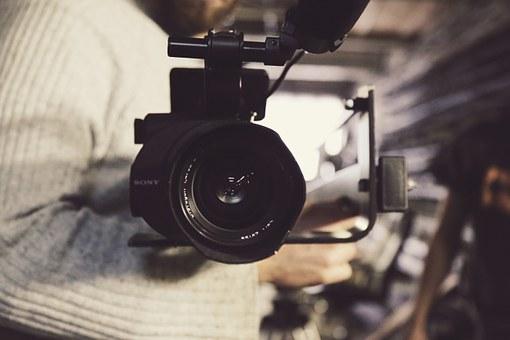 Ia legatura cu un cameraman din Suceava pentru evenimentul tau!